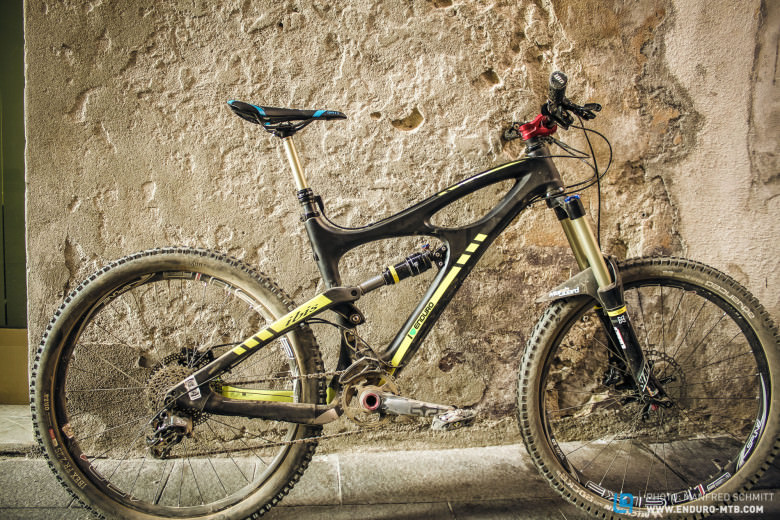 The new Ibis Mojo HD-R is a revised design of the HD, now able to run 650B wheels!