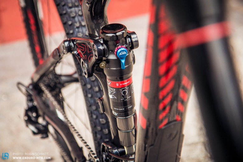 The Remedy 9.8 combines the Pike fork with the DRCV damper for an effective suspension package.